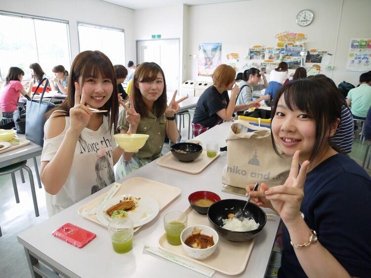 マツキドライビングスクール村山校の食事例