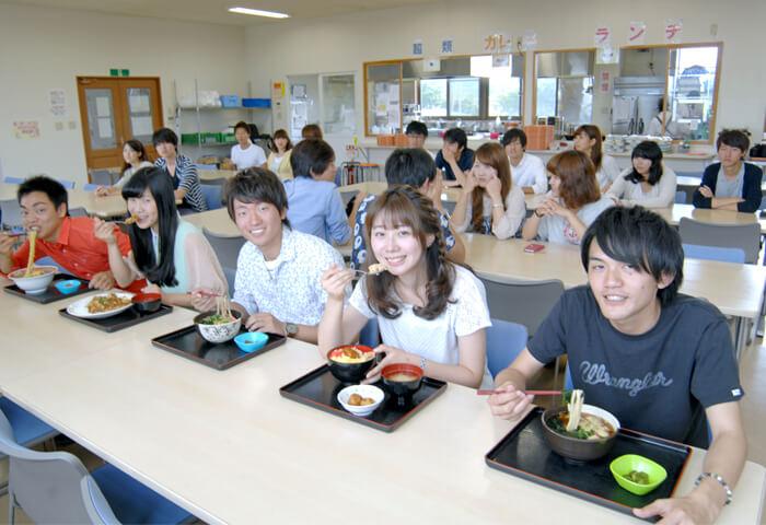 マツキドライビングスクール長井校の食事例