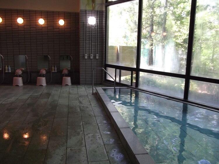 マツキドライビングスクール米沢松岬校温泉に入れる教習所特集用写真