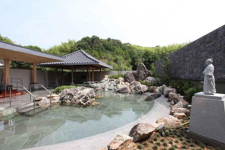 高知家・安芸自動車学校温泉に入れる教習所特集用写真