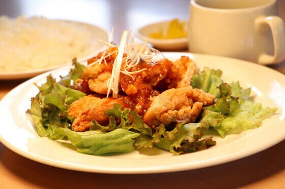 東名自動車学校の食事例